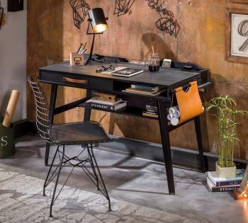 Виды письменных столов, нюансы их выбора и используемые в производстве материалы